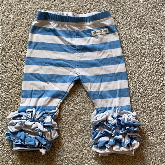Other - Sew sassy leggings